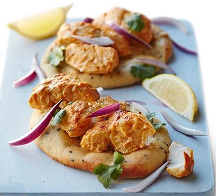 Fish tikka on garlic naan