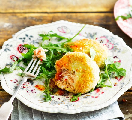 Fishcakes with lime & coconut