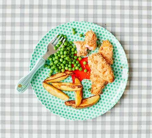 A plate of salmon fish fingers, chunky chips and peas