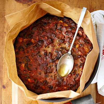 Best Christmas Cakes 2021 How To Feed A Christmas Cake Bbc Good Food