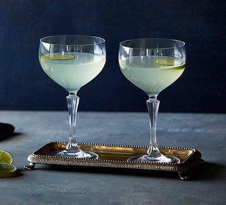 Gimlet served in two cocktail glasses