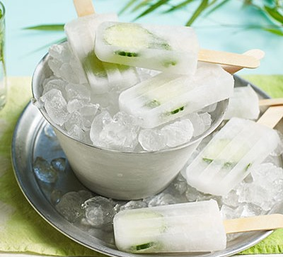 gin and tonic ice lollies in silver bucket of ice