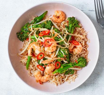 Ginger, sesame & chilli prawn & broccoli stir-fry in a bowl