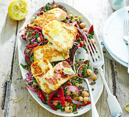 Halloumi with lemony lentils, chickpeas & beets