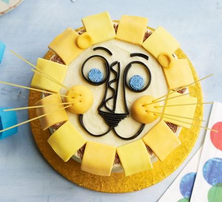 Happy lion birthday cake