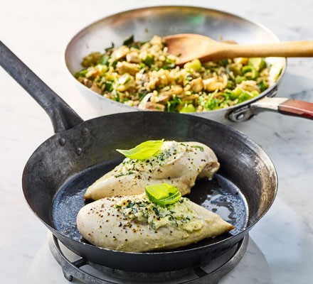 Stuffed chicken breasts with mushroom and leek rice