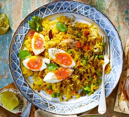 Smoked mackerel kedgeree with soft-boiled eggs