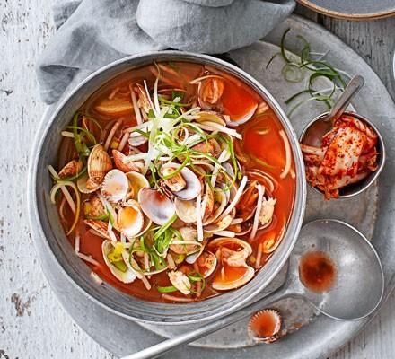 Korean clam broth - Jogaetang
