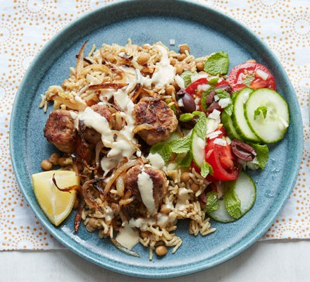 Meatballs with rice and salad