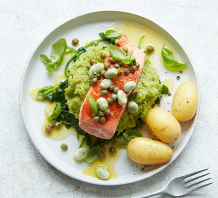 Salmon fillet with leek and broad bean mash