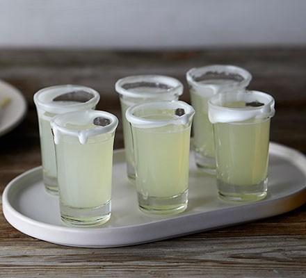 6 lemon drizzle shots