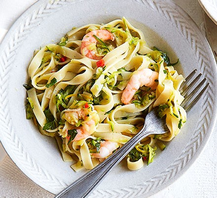 Lemony prawn & courgette tagliatelle in a bowl