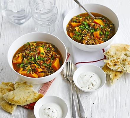 Lentil & sweet potato curry with yogurt & naan breads