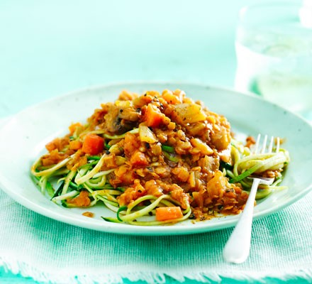 Lentil ragu with courgetti