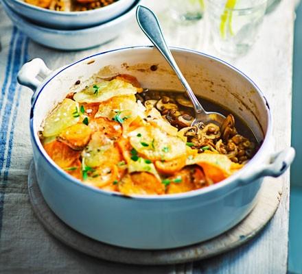 Spiced mushroom and lentil hotpot