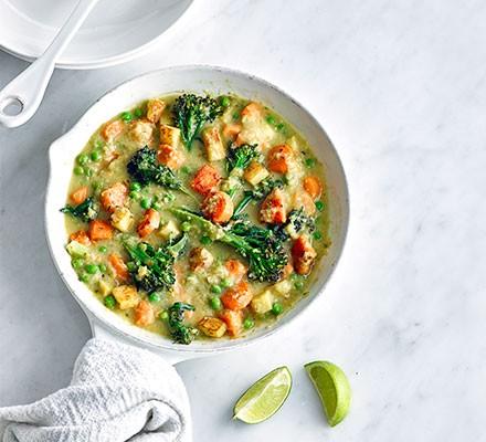 Light Thai green curry