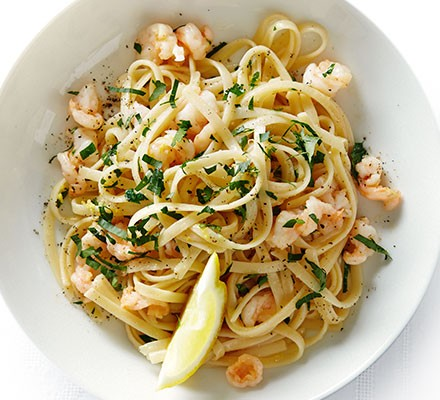 Linguine with garlic butter prawns