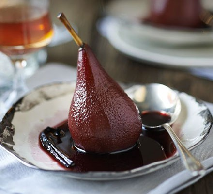 Merlot-poached pears with vanilla & cinnamon