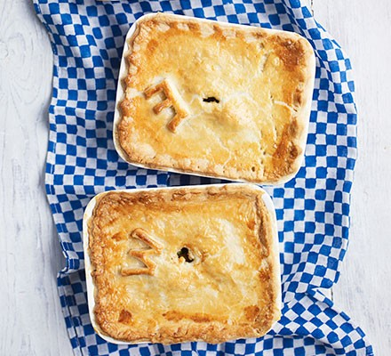 Two mince & pea pies served in small pie dishes
