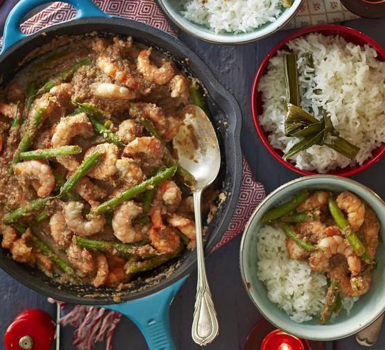 Mummy Ping's Sambal prawns & green beans