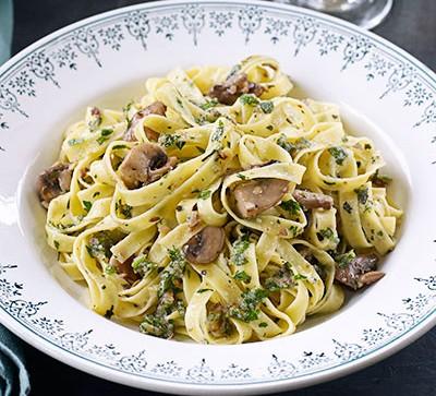 Roasted chestnut & herb pesto pasta with mushrooms