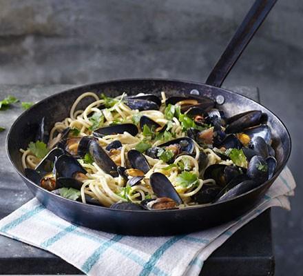 Mussel mouclade pasta