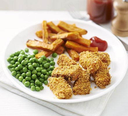 Salmon nuggets with sweet potato chips