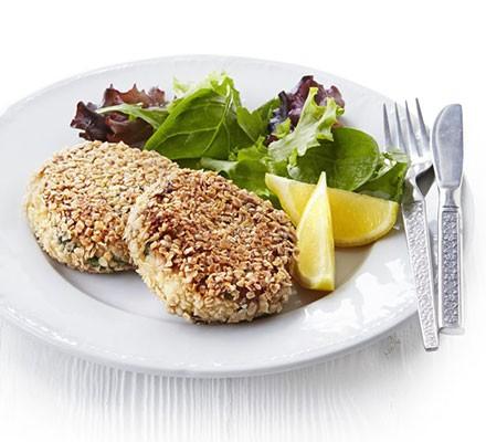 Oaty mackerel & horseradish fish cakes