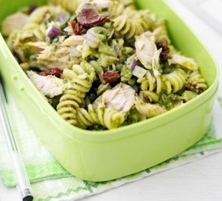 Pesto pasta salad in lunchbox