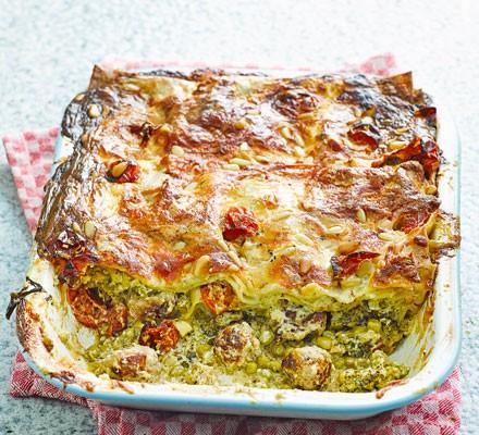 Pea, pesto & sausage lasagne