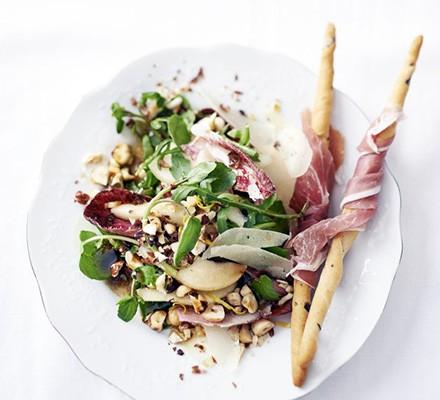 Pear & manchego salad