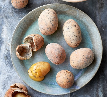Baked new potato pebbles & seaweed mayonnaise