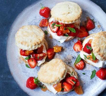 Pimm's scones