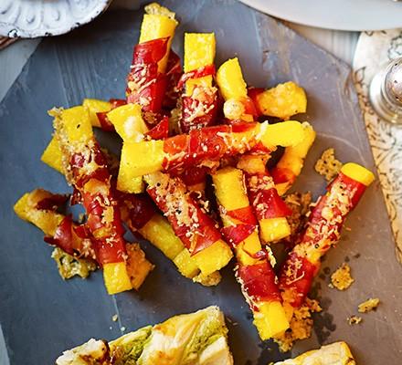 Polenta & prosciutto chips