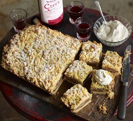 Polish apple cake (Szarlotka) image