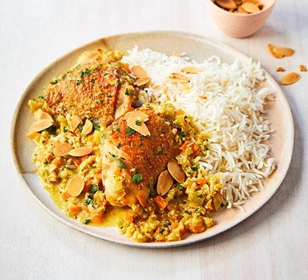 Pollo en pepitoria on a plate