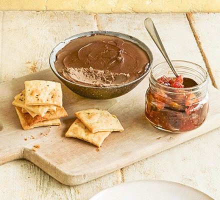Port & chicken liver pâté served with crackers and chutney