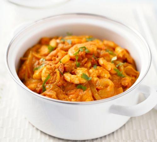 Prawn and squash curry in a pot