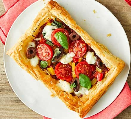 One puff-pastry pizza