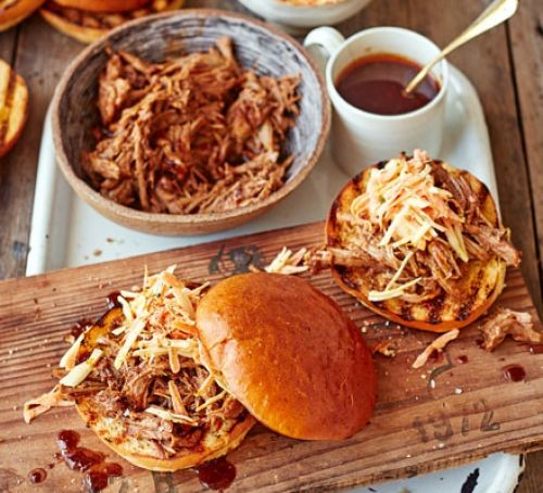 Pulled pork in a bowl and bun filling