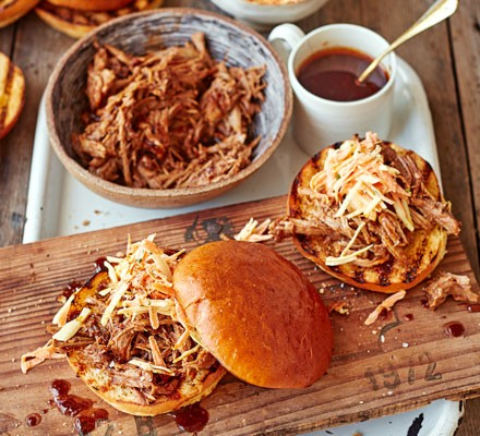 Pulled pork with white bread rolls