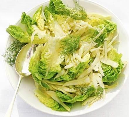 Lettuce & fennel salad with orange & mustard dressing