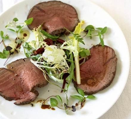 Cold roast beef with beetroot salad & horseradish cream