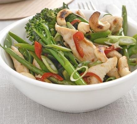 Spicy chicken & veg stir-fry
