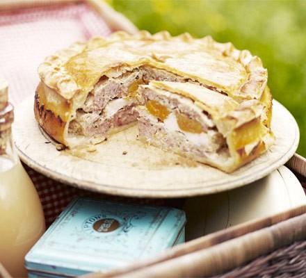 Rustic chicken & apricot pie