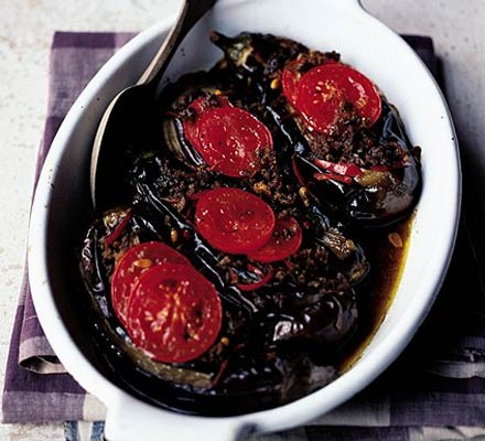 Baked aubergines stuffed with minced lamb