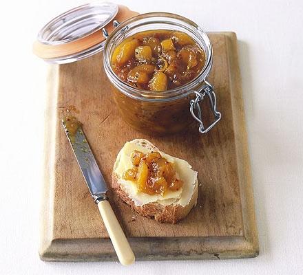 Fragrant mango & apple chutney