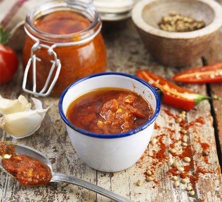 Tomato & chilli harissa