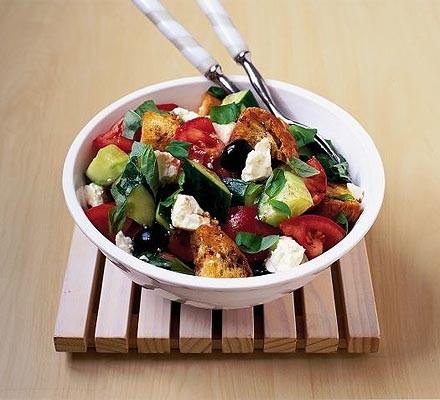 Crunchy feta & tomato salad