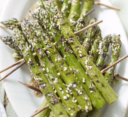 Sesame grilled asparagus rafts image